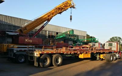 Crane to lift equipment