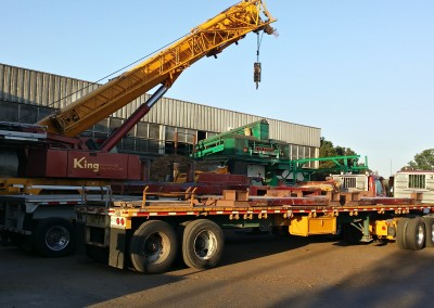 Crane to lift equipment